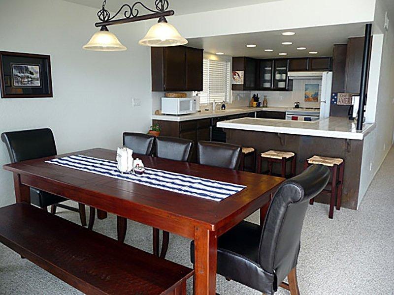 35305-Kitchen1