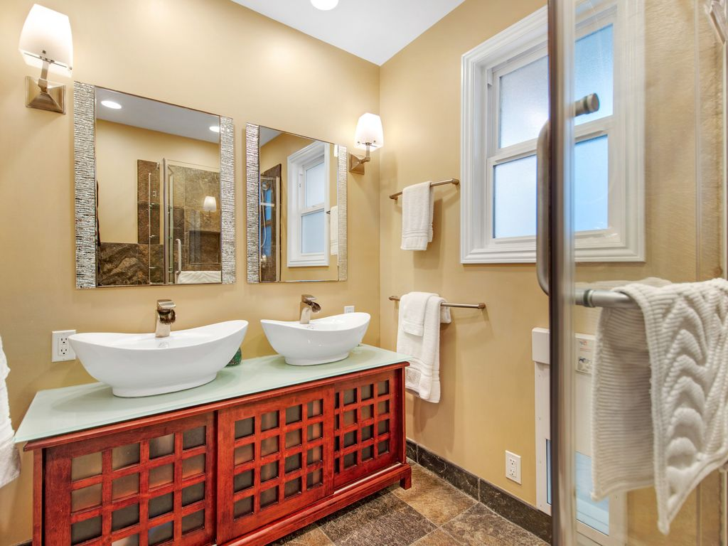 Upper Level Bathroom - 35119 Beach Road, Dana Point, CA | Beach Road Realty