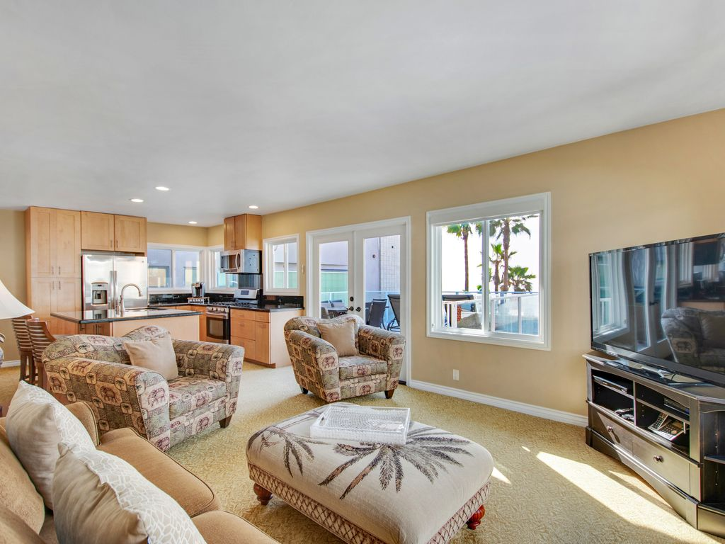 Upper Level Ocean View Great Room - 35119 Beach Road, Dana Point, CA | Beach Road Realty